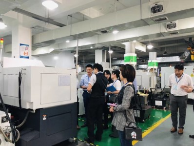 A customer in the semiconductor industry in Japan visited our company