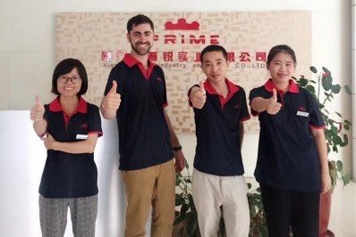 American customers come to our company to visit for a long-term cooperation